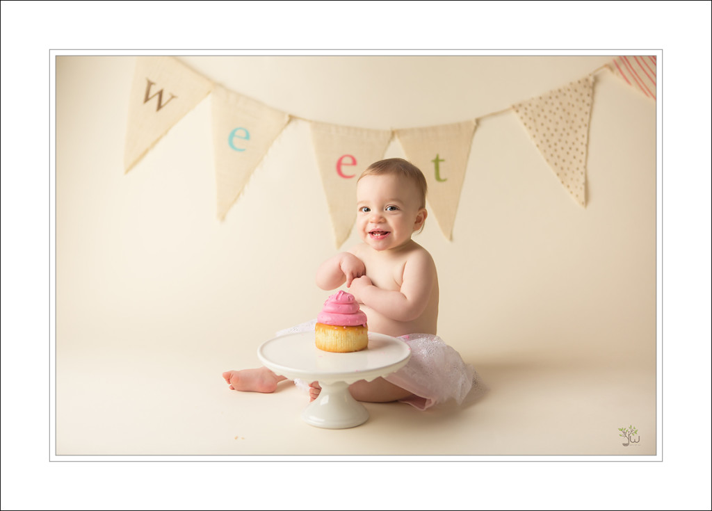 Gig Harbor Baby Photographer_Jennifer Wilcox Photography_cake smash (5)