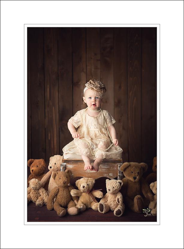 Marysville Baby Photographer Jennifer Wilcox Photography cake smash 1 Seattle Baby Photographer ~ Lily