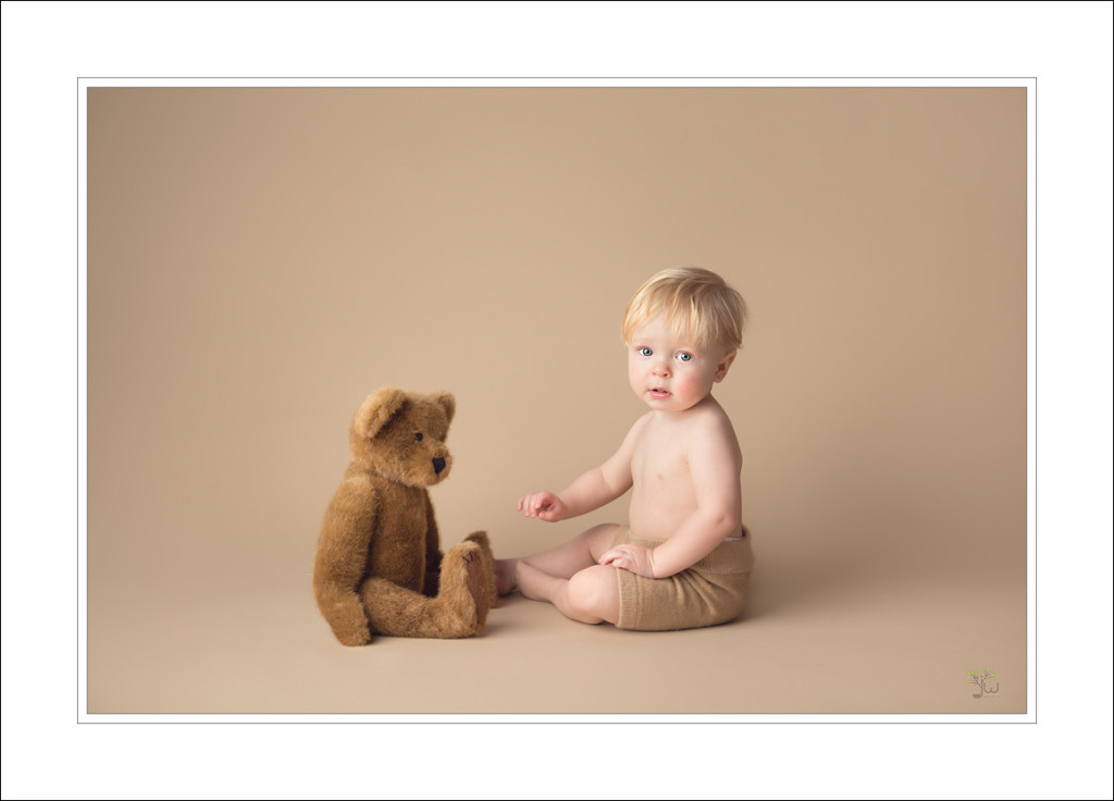 Tacoma Baby Photographer_Jennifer Wilcox Photography_baby with teddy bear