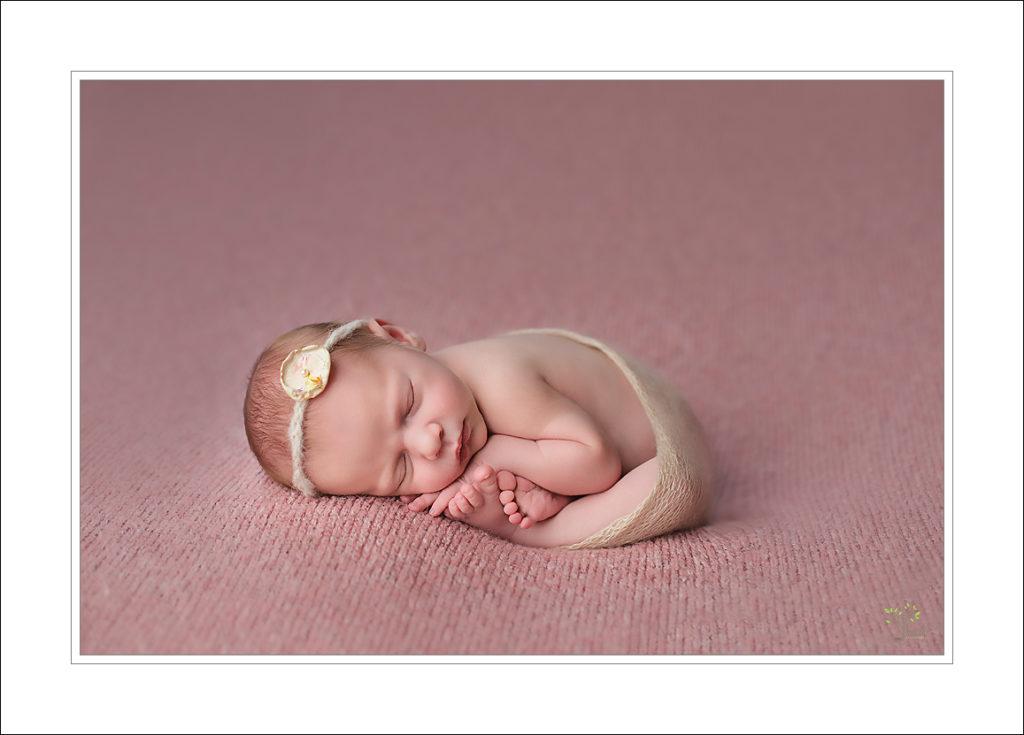 baby girl taco pose