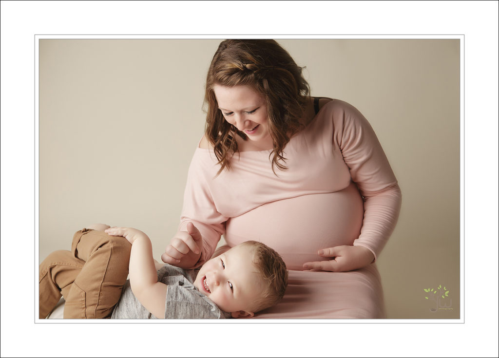 Bonney Lake Maternity Photographer