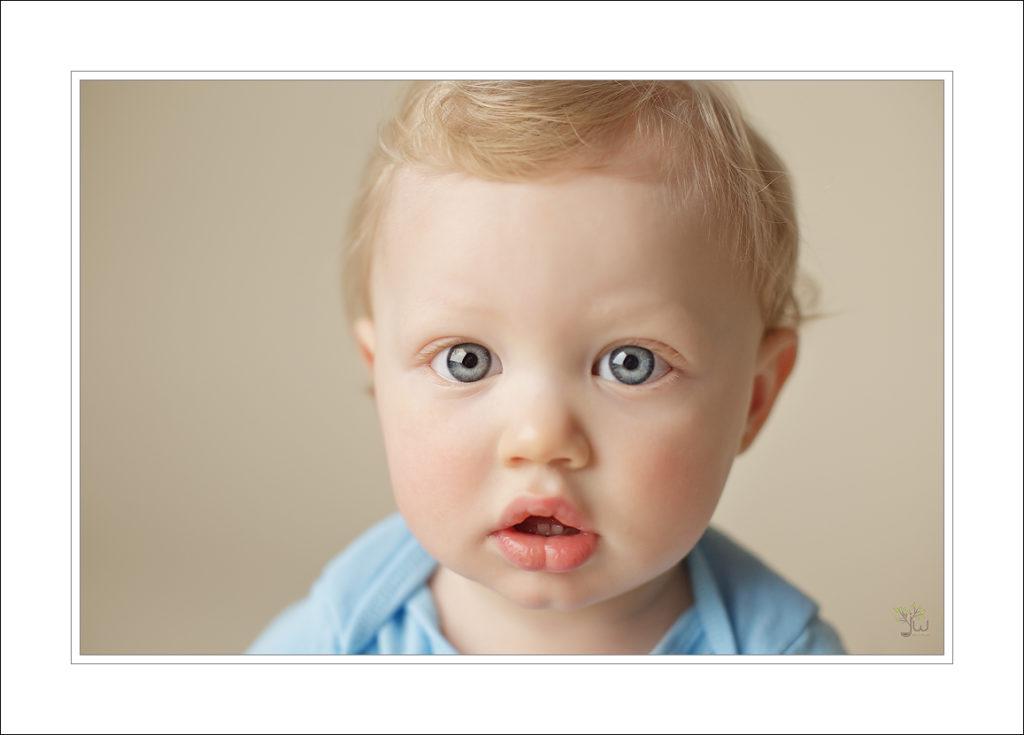 Tacoma baby photographer. blue eyed boy