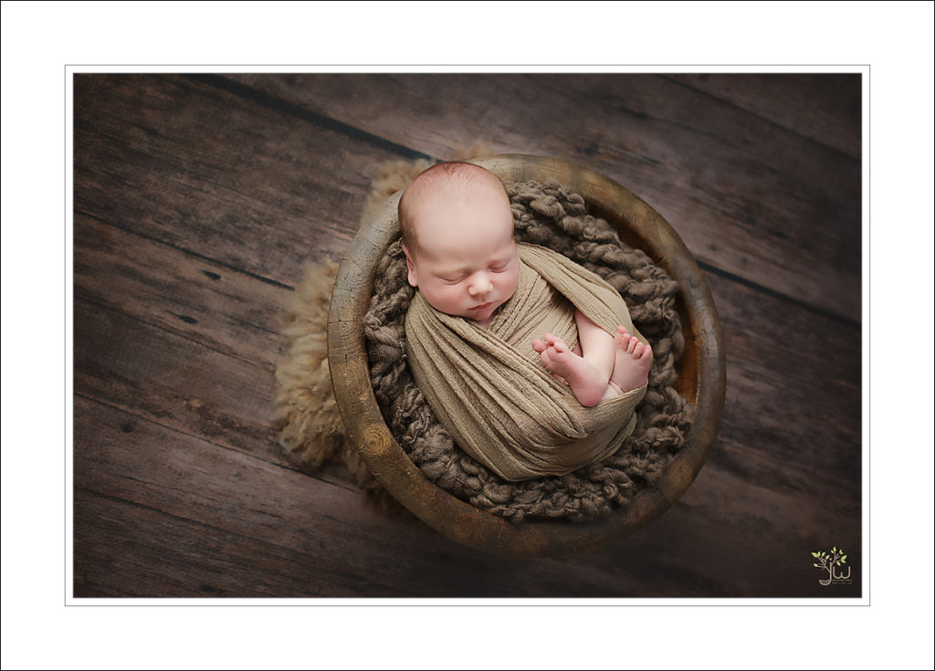Eatonville newborn photographer